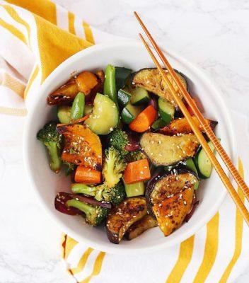 Salad gà trộn các loại rau xanh