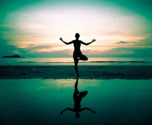 Chúng ta có thể luyện tập Yoga vào chiều tối, trước khi mặt trời lặn