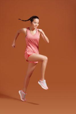 Áo thun tank top sẽ giúp bạn thoải mái và tự tin hơn trong quá trình tập luyện