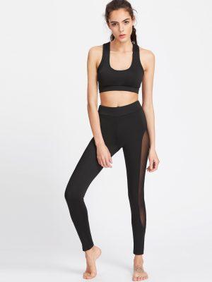 Quần legging là item quen thuộc trong các phòng tập Yoga